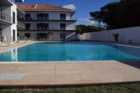 Light apartment with large pool close to beach - São Martinho do Porto - Appartamento