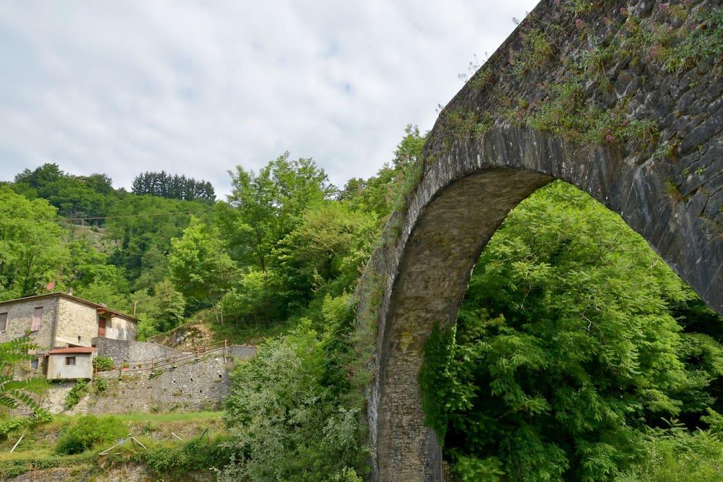 medieval bridge 1 km