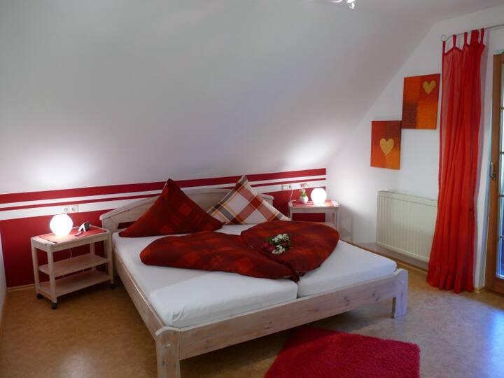 Ferienwohnung Alexandra auf dem Gipfhof, (Münstertal), Ferienwohnung mit Terrasse und Balkon, 40qm mit 1 Schlafzimmer für max. 2 Personen