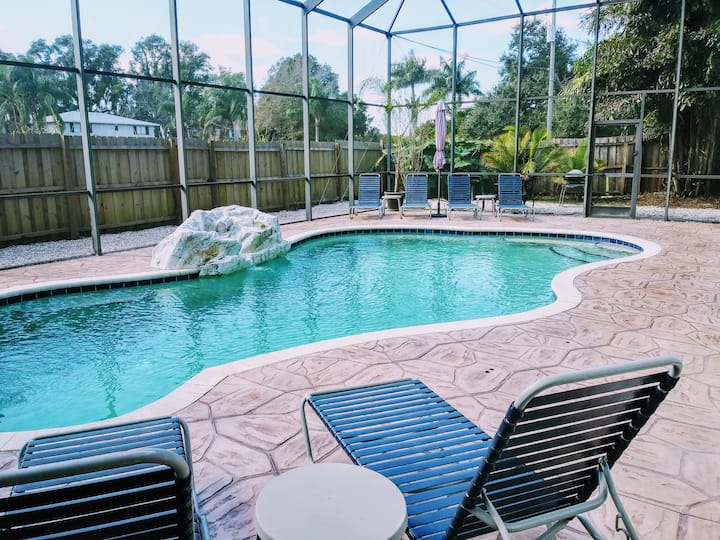 Comfy clean Key West style home w/heated pool
