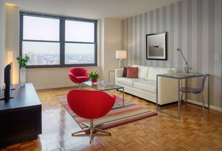 Christopher Columbus Drive Lux 2bd Jersey City -