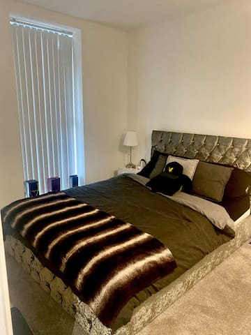 Double Room With Private Ensuite In New Build Apt