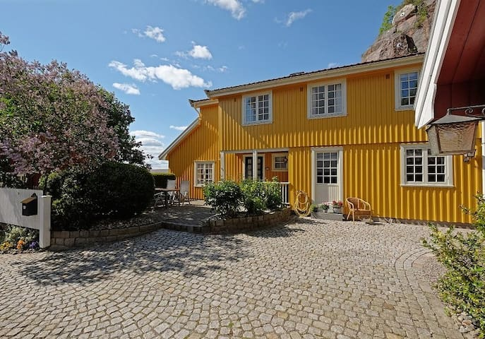 Charming house with seaview in the city centre. - Tønsberg - Casa