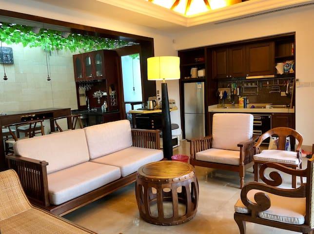 陵水天海香水湾300平米双卧室带厨房客厅带泳池大平层独立别墅