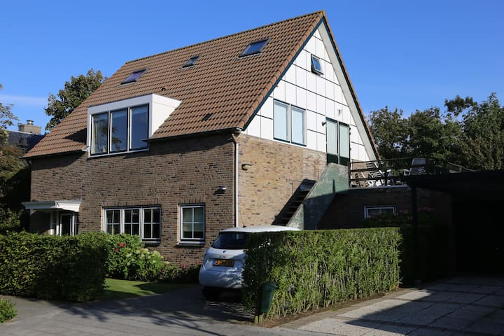 Domburg Spacious Family Home (sleeps 6 people)