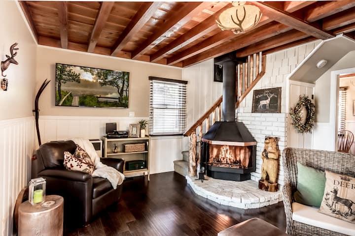 Charming Villa *.9 mi to Bear Mtn*Great backyard