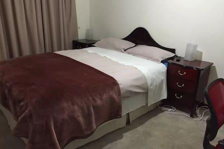 Master bedroom - Belmont - Talo