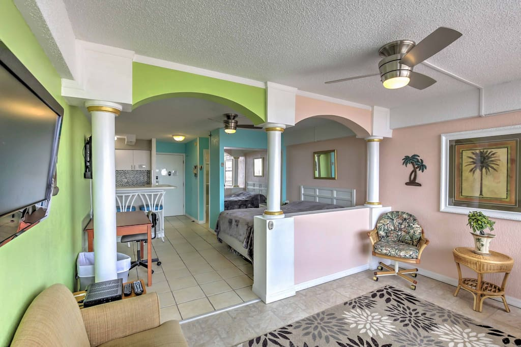The vibrant interior of this condo brings the beach atmosphere right in your living room.