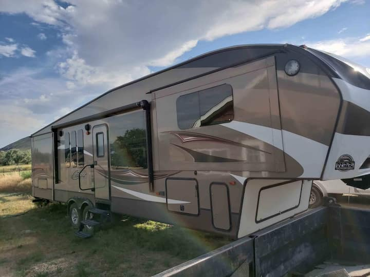 Luxury Camper in the heart of Buffalo Bill's Cody