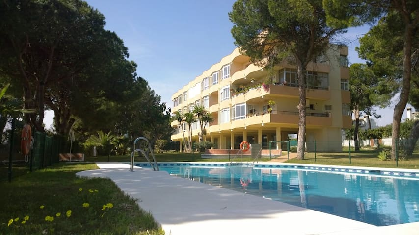 Beautiful apartment 300m from beach - Sitio de Calahonda - Leilighet