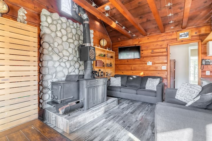 Crestline Cabin : Close to Lake Gregory (.03mi.)