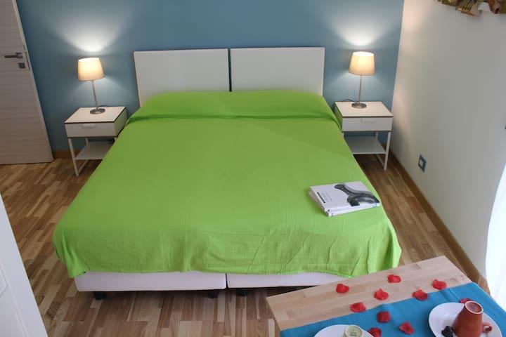 BnB AGIO - Suite Blu Room