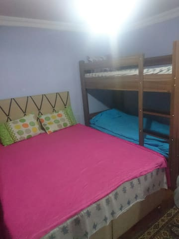 1 double 2 single beds in one room - centrum  - Apartment