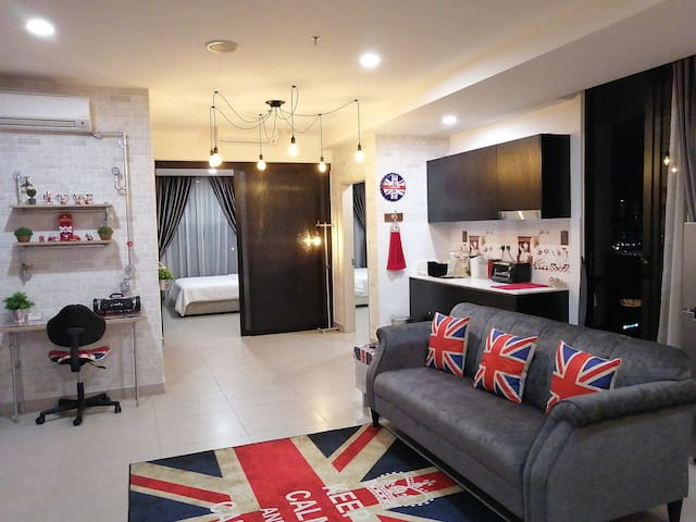 A Place Like Home | 2 bedrooms l 6 pax  l MITEC