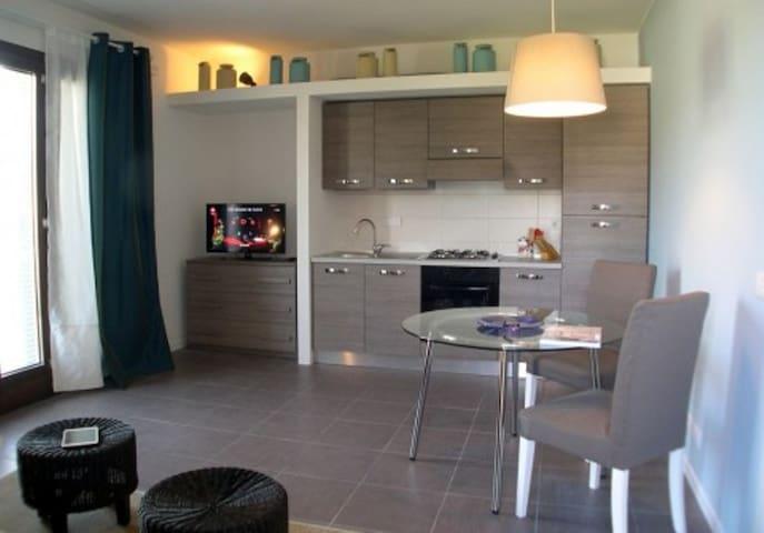 """""""Nymphaea"""" Appartamento con terrazza pranzabile"""