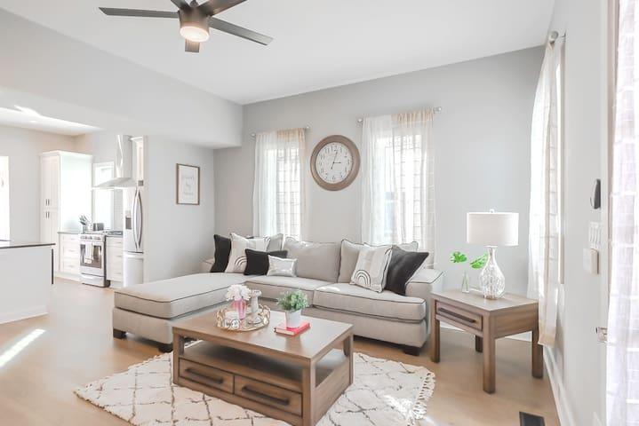 Bates-Hendrick Designer Home in Gorgeous Indy!