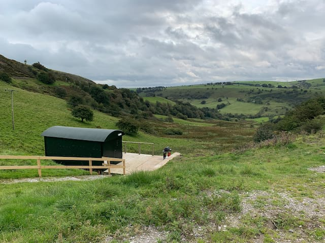 Booth Farm Hut
