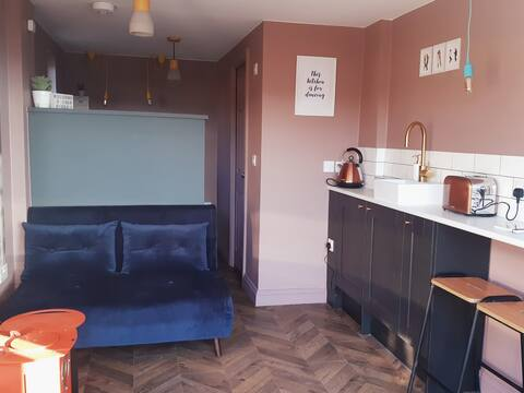 Boutique bolt hole Whitby *FREE PARKING on drive*