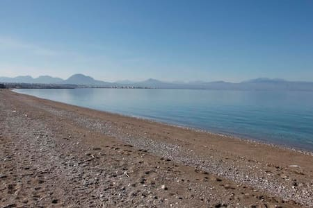 1 Bedroom Waterfront Private Access to Beach - Posidonia - Apartment