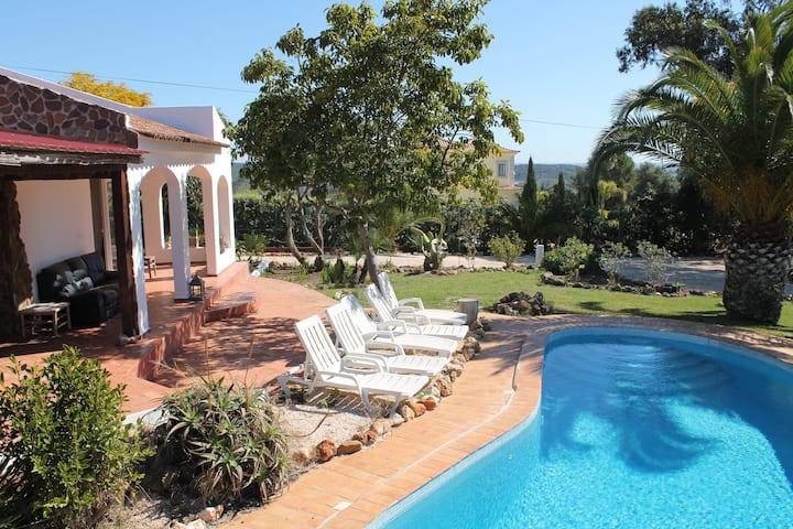 Villa Alegria | A Traditional Portuguese Villa
