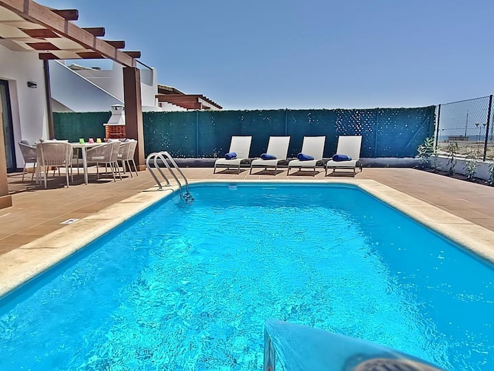 Superb new villa with private pool