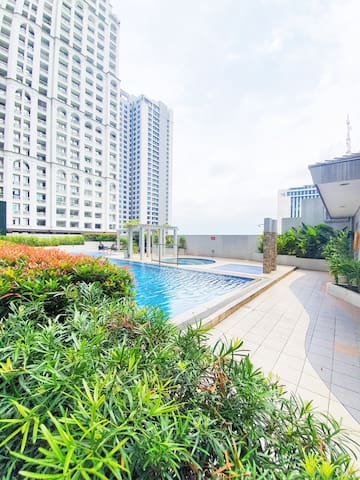 Cozy unit in Ortigas, 6th FLR Eton emerald loft