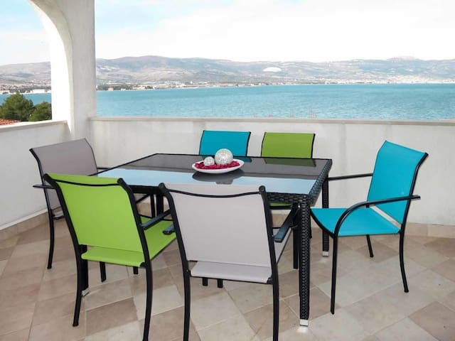 Two bedroom apartment with terrace and sea view Arbanija (Čiovo) (A-16478-a)