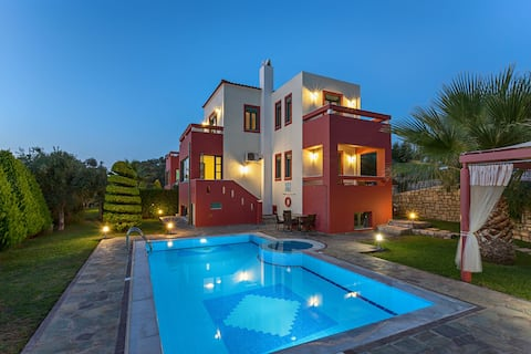 4 Bedroom Villa w.private pool and BBQ in Rethymno