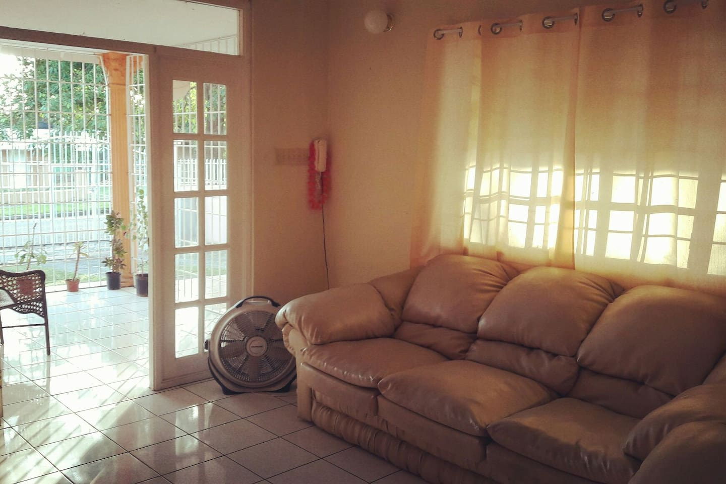 UNIVERSITY area & close to Bob Marley Museum - Houses for Rent in ...