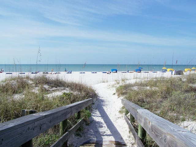 Luxury Condo at a Value Price - Saint Pete Beach