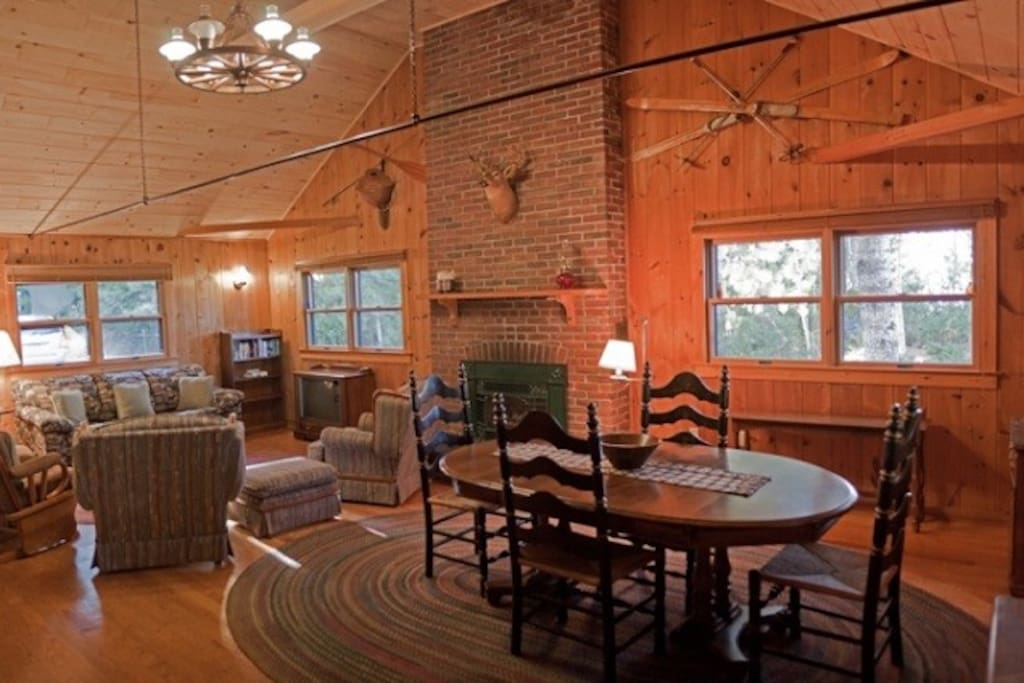 Open Dining Area / Living room -Greenville cabin