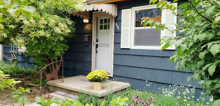 Private, Family-friendly House not far from Campus