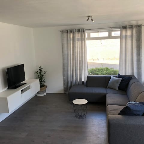Beautiful just renovated apartment near the sea