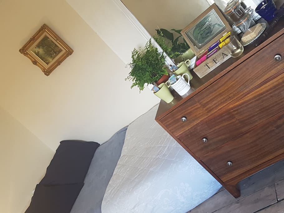 Bed 1 in Alcove