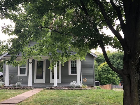 Historic Bardstown Cottage ⭐️ Renovated in 2020