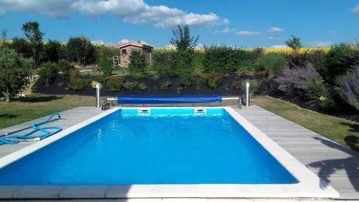 Maison neuve tout confort avec piscine