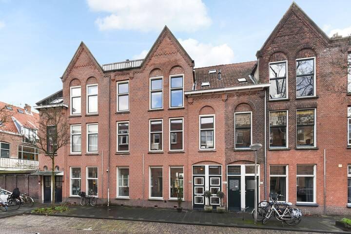 Beautiful private loft in Delft - city centre
