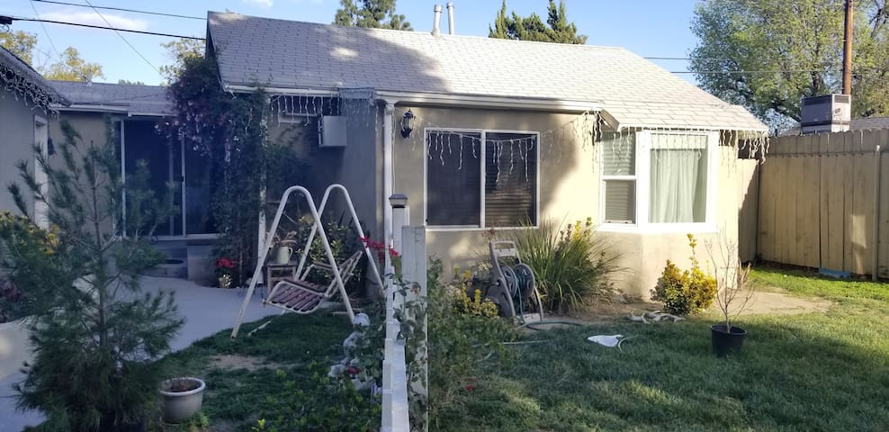 Mother In-law Suite, centrally located in Burbank