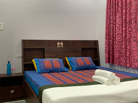 Central Kolkata Homestay , 5 min from Park Street