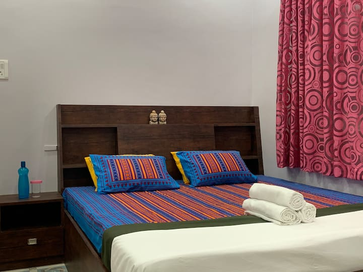 Central Kolkata Homestay , 5 min from Park Street