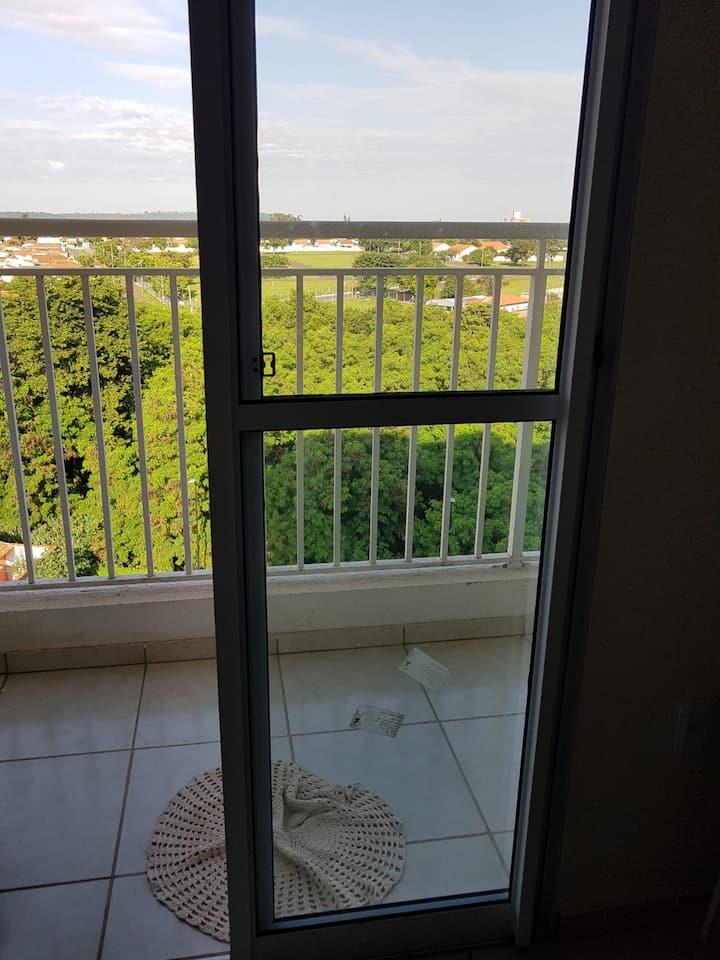 Aluga-se quarto para moças em Pirassununga