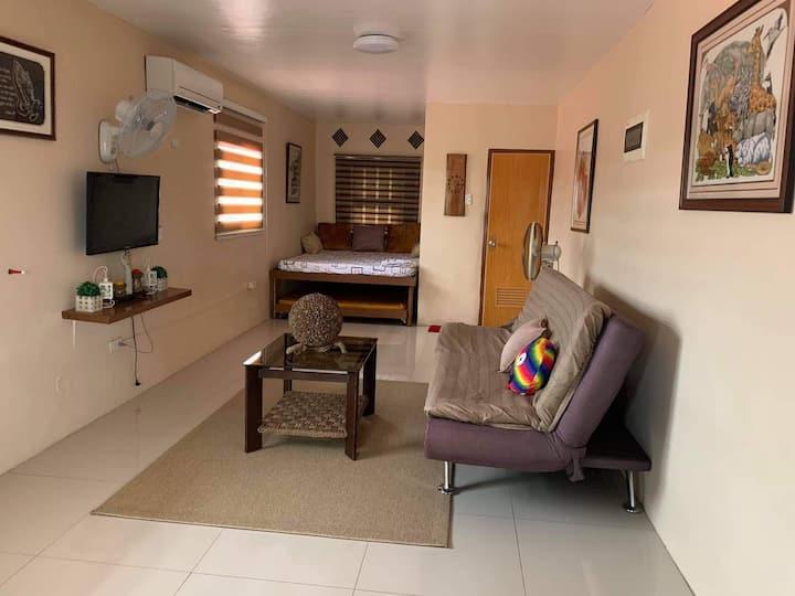Evangeline Lodge- Aircondition Room