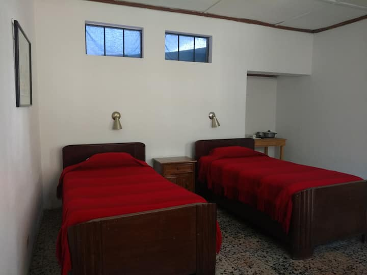 Studio just 4 blocks from Central Park Antigua!