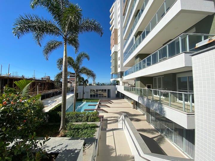 Apartamento na Praia Brava