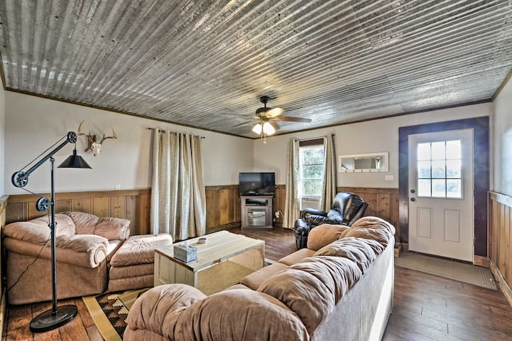 NEW! House on Cattle Farm Central to Temple & Waco