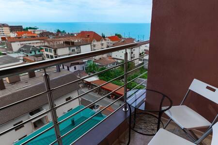 """Квартира у моря с видом на море в ЖК """"Monako klub"""""""