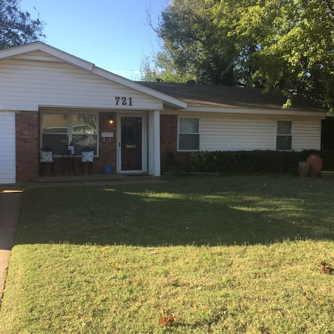 Vintage 1960's 3 bedroom home. - Midwest City - Casa