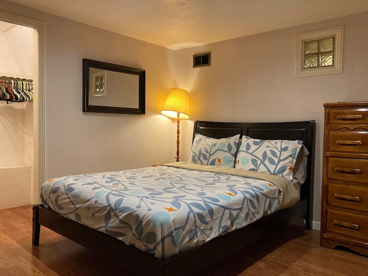 Private and Spacious Garden Suite in Oakland