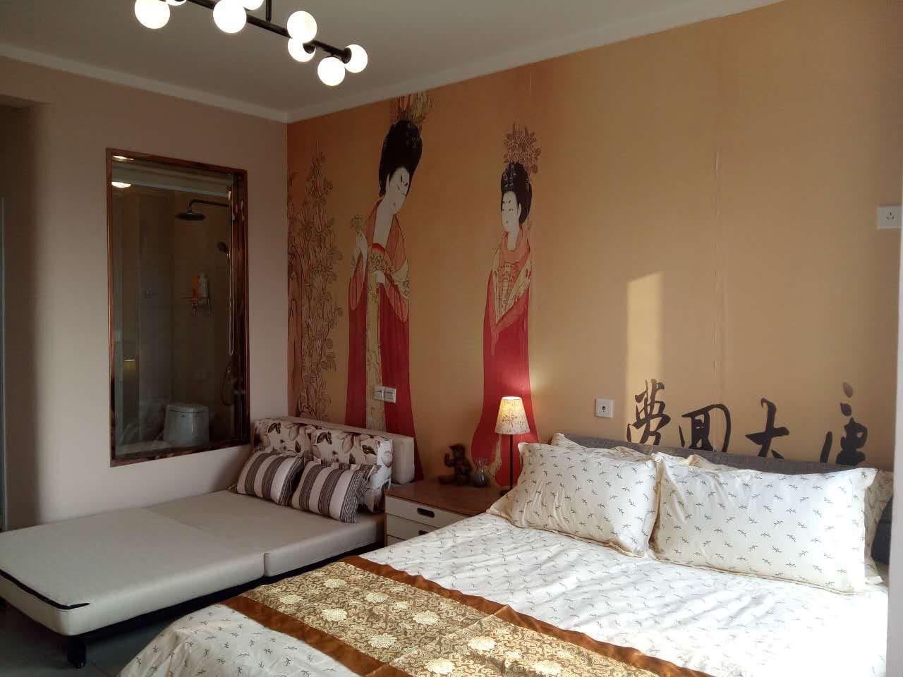 1500的双人床,1200的沙发床,适合2到3位客人居住