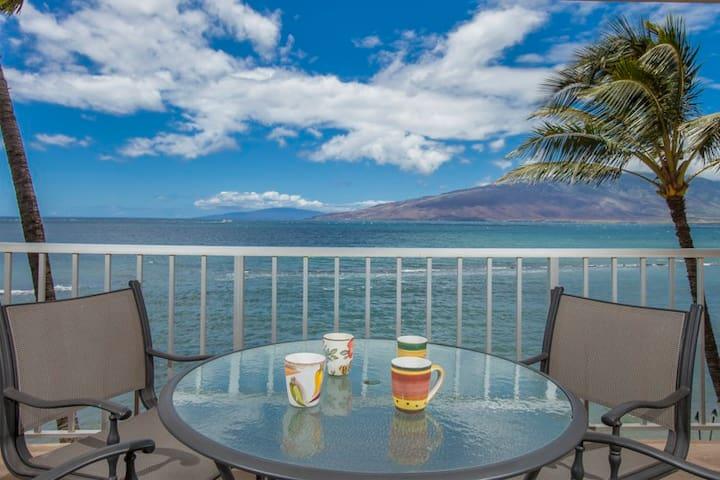 Menehune Shores Oceanfront 1bd 1ba - Kihei - Apartamento